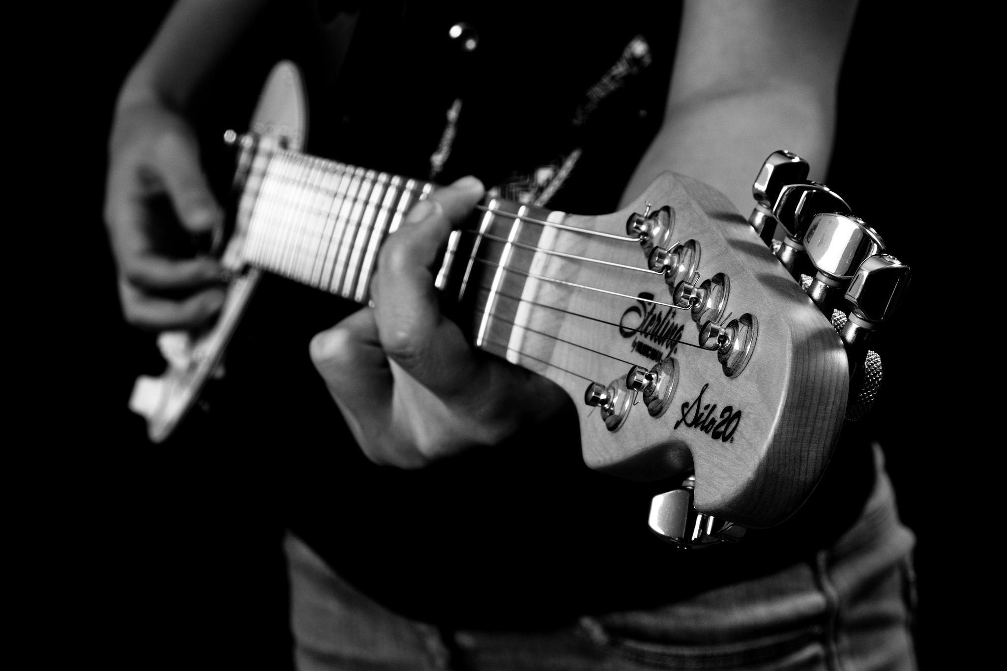 לימוד גיטרה / לימוד גיטרה למתחילים