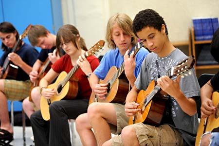 חוג לימוד גיטרה למתחילים