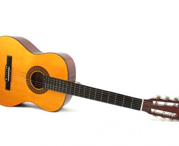 שיעור 1  – לומדים לכוון גיטרה
