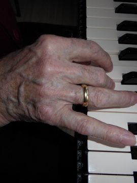 שיעור 12  – לומדים לנגן אקורדים